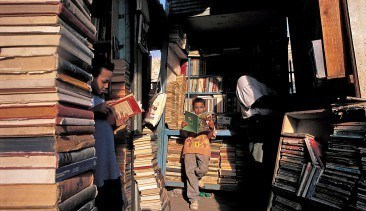 Egypt-Cairo-old-books-mar-014